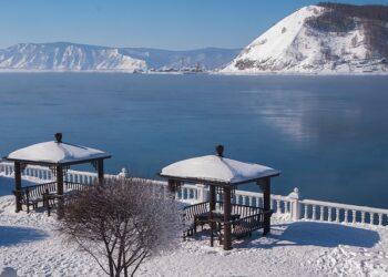 Экскурсионный зимний Байкал